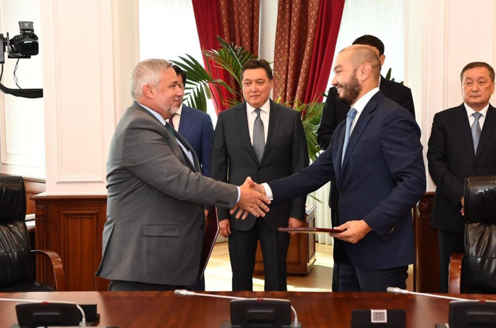Kusto Group's Chairman Yerkin Tatishev signs a joint venture with US-based Valmont Industries to manufacture modern irrigation systems in Kazakhstan.